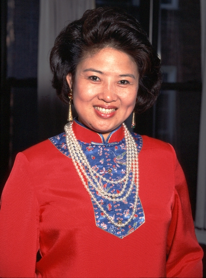 Bao Mo-Li, National Heritage Fellowship Ceremonies, photograph by James V. Gleason, courtesy National Endowment for the Arts
