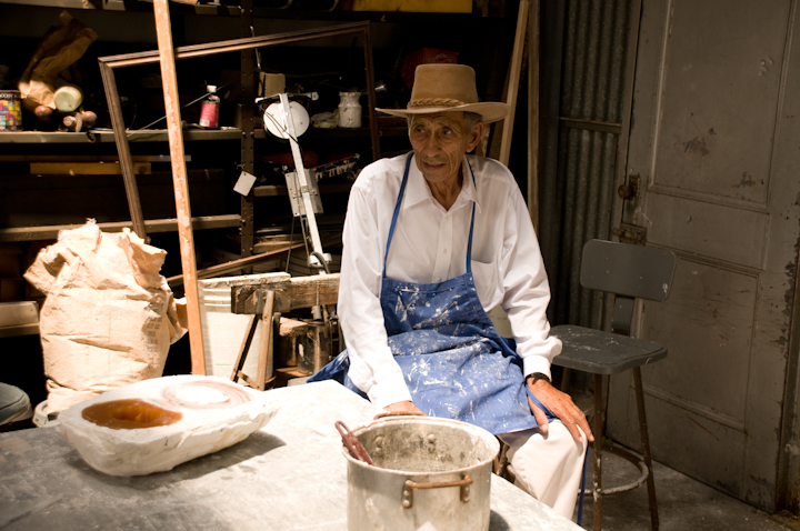Earl Barthé waits for the mold to dry, New Orleans, Louisiana, July 31, 2008, photograph by Alan Govenar