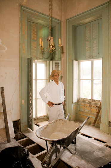 Earl Barthé assesses the damage and restoration work needed, New Orleans, Louisiana, July 31, 2008, photograph by Alan Govenar