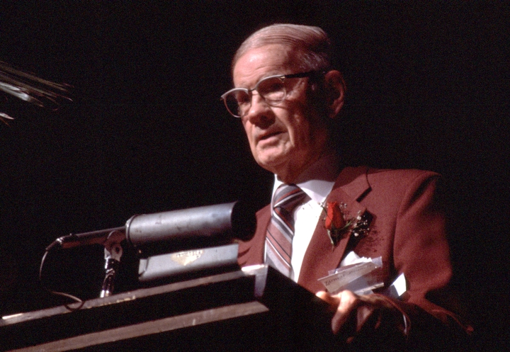Ernest Bennett, 1986 National Heritage Fellowship Concert, courtesy National Endowment for the Arts