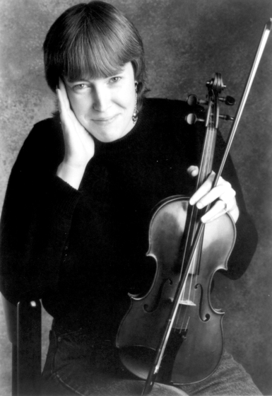 Liz Carroll, photograph by Suzanne Plunkett, courtesy National Endowment for the Arts