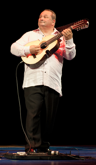 Edward Colón Zayas, 2009 National Heritage Fellowship Concert, Bethesda, Maryland, photograph by Alan Hatchett