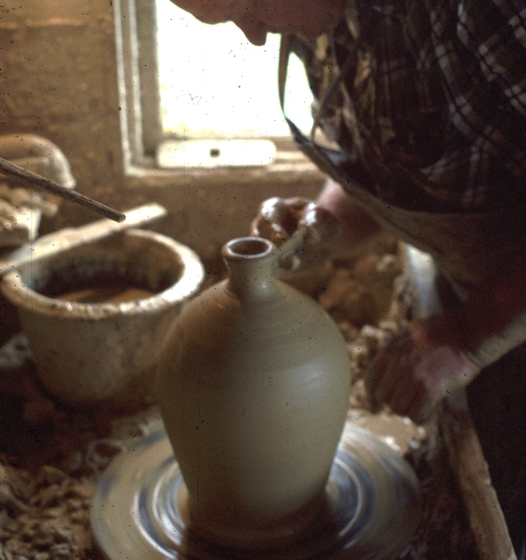 Burlon Craig at work, Vale, North Carolina, photograph by Charles G. Zug III, courtesy National Endowment for the Arts