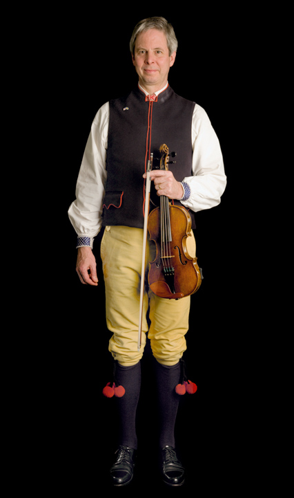Fiddler Paul Dahlin is heir to a rich tradition of music from the Swedish province of Dalarna. He grew up playing with his grandfather, who had immigrated to Minnesota from his native Rojerasen, Sweden in 1924. 2007, photograph by Alan Govenar