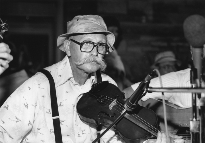 Clyde Davenport at Pickett State Park Old Timer's Day, 1987, photograph by Robert Cogswell, courtesy Tennessee Arts Commission