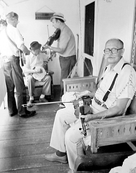 Clyde Davenport, 1987, photograph by Robert Cogswell, courtesy Tennessee Arts Commission