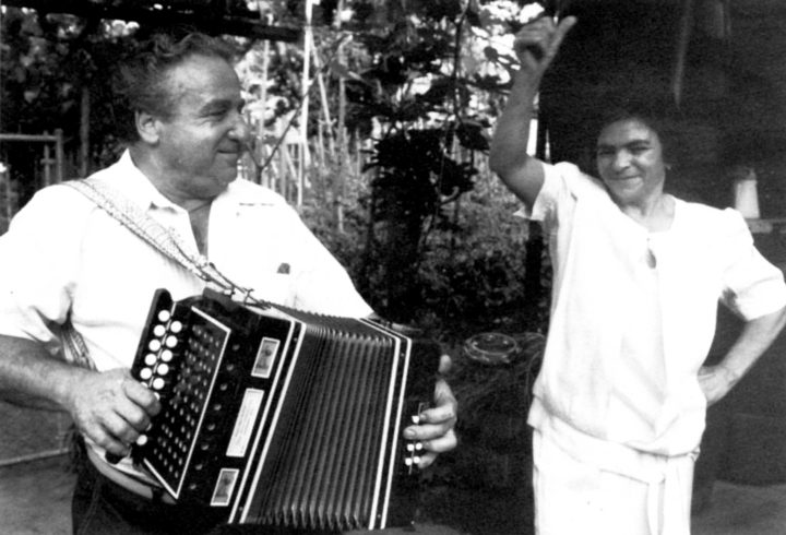 Giuseppe and Raffaela DeFranco immigrated to the United States in the 1960s but have remained dedicated to the music, dance and other traditions of the Calabria region of southern Italy where they grew up. Photograph by Martin Koenig, courtesy Center for Traditional Music and Dance