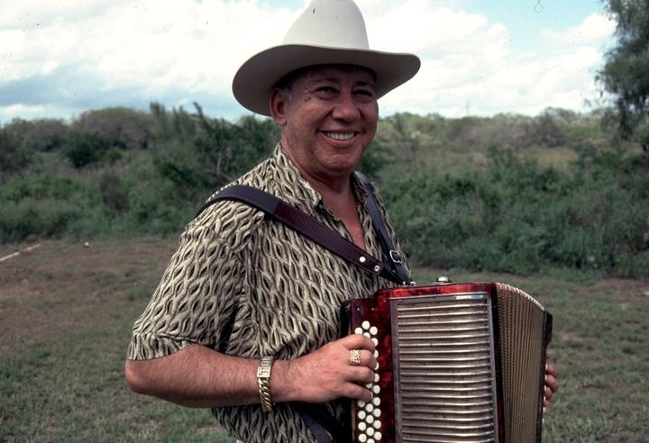 Antonio De La Rosa, Riviera, Texas, 1998, photograph by Alan Govenar