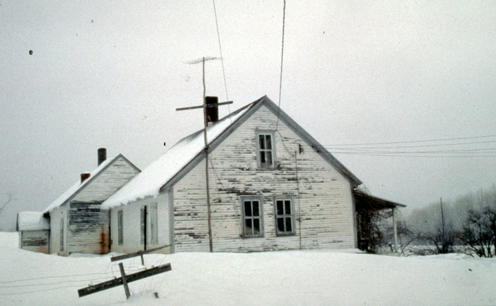 Densmore farmhouse, Chelsea, Vermont, January 1986, photograph by Jane C. Beck, courtesy Vermont Folklife Center
