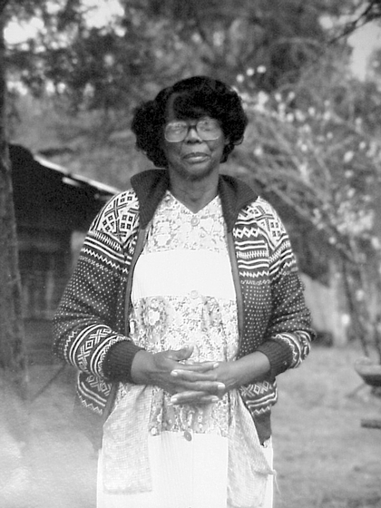 Nora Ezell, Mantua, Alabama, ca. 1986-1987, photograph by Mark Gooch, courtesy Alabama State Council on the Arts