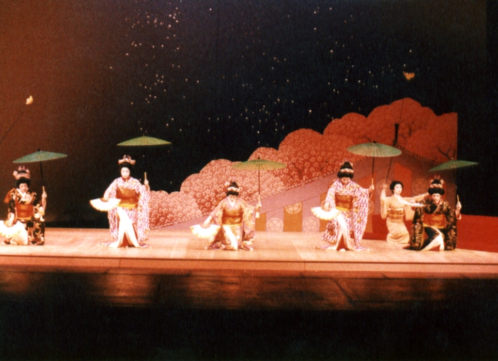 Madam Fujima's students in performance, courtesy Fujima Kansuma Kai of Los Angeles