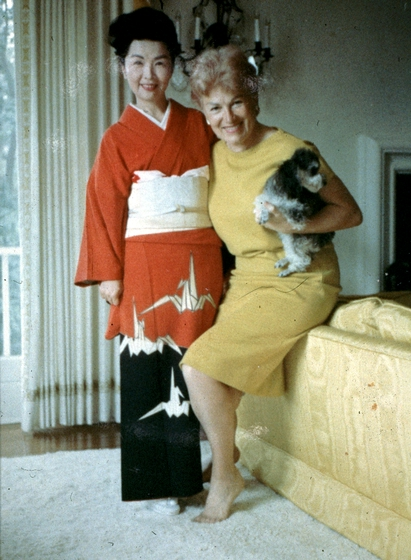 Madam Fujima with opera singer Dorothy Kirsten, Los Angeles, California, 1968, courtesy Fujima Kansuma Kai of Los Angeles