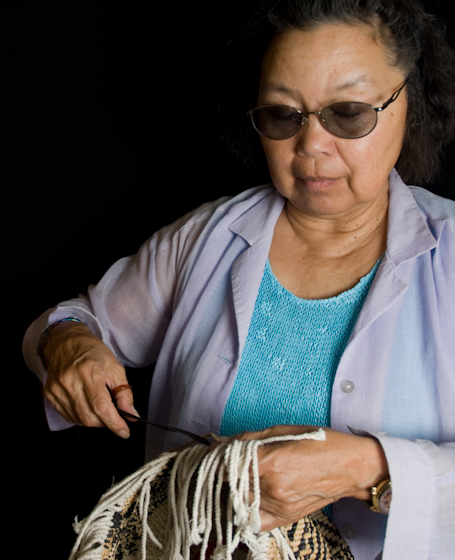 Pat Courtney Gold working on a basket, Bethesda, Maryland, 2007, photograph by Alan Govenar