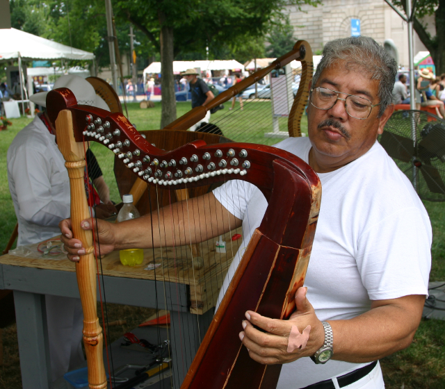 José Gutiérrez, Nuestra Musica Program, photograph by Barry Bergey