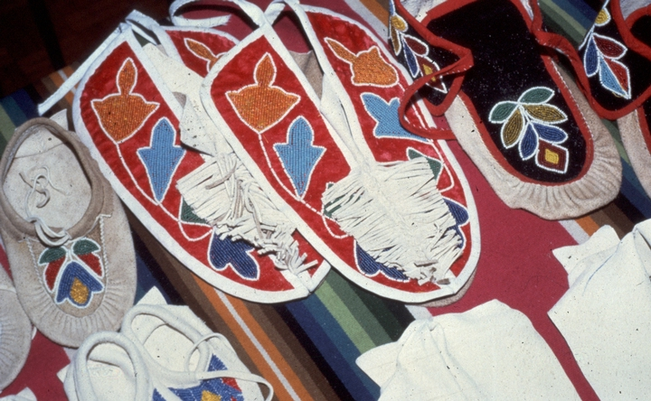 Menominee Potawatomi regalia by Gerald Hawpetoss, courtesy National Endowment for the Arts