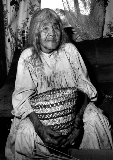 Cecilia Henry (Evalena's mother) at age 89, 1990, photograph by Helga Teiwes, courtesy Arizona State Museum