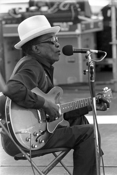 John Lee Hooker, 1989, photograph by Michael P. Smith