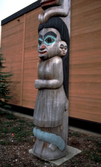 Auke pole by Nathan Jackson, Centennial Hall, Juneau, Alaska, 1984, courtesy Alaska State Council on the Arts