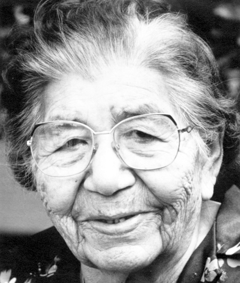 In addition to her exceptional store of traditional Ojibwe tales and legends, Maude Kegg is perhaps best known for the intricateness and elegance of her beadwork. Courtesy Minnesota Historical Society