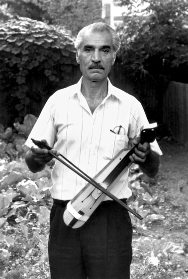 Ilias Kementzides in his back yard, Norwalk, Connecticut, 1991, photograph by Alan Govenar