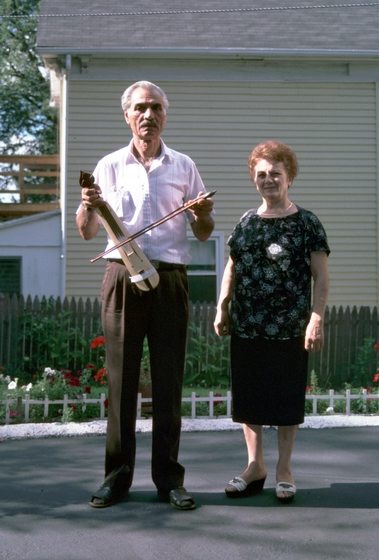 Ilias Kementzides and his wife, Chrysoula, Norwalk, Connecticut, 1991, photograph by Alan Govenar