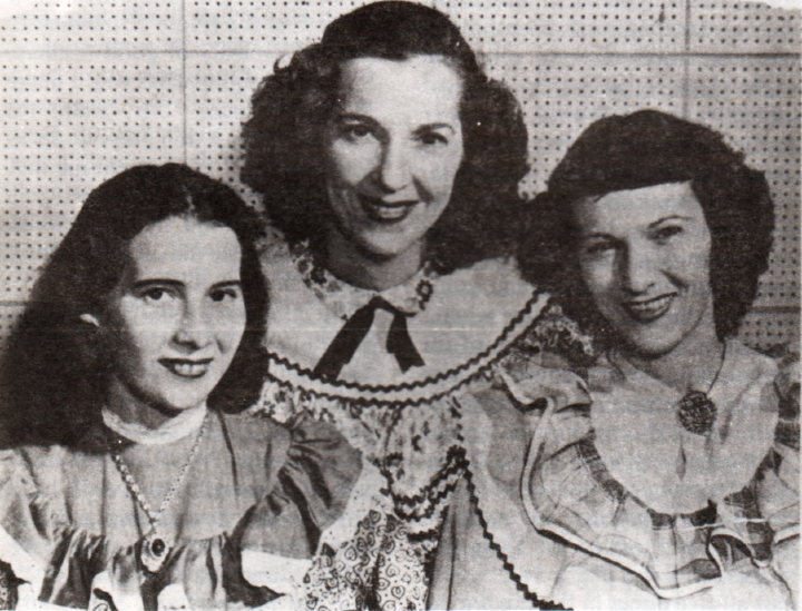The Ledford Sisters, (from left to right) Susie, Lily May and Rosie. Courtesy Berea College Appalachian Center