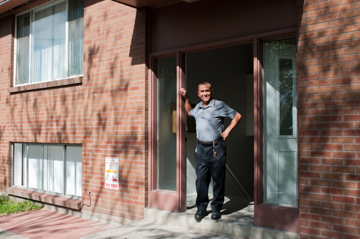 Jeronimo E. Lozano outside his apartment, Salt Lake City, Utah, 2009, photograph by Alan Govenar