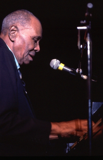 Albert 'Sunnyland Slim' Luandrew, 1988 National Heritage Fellowship Ceremonies, courtesy National Endowment for the Arts