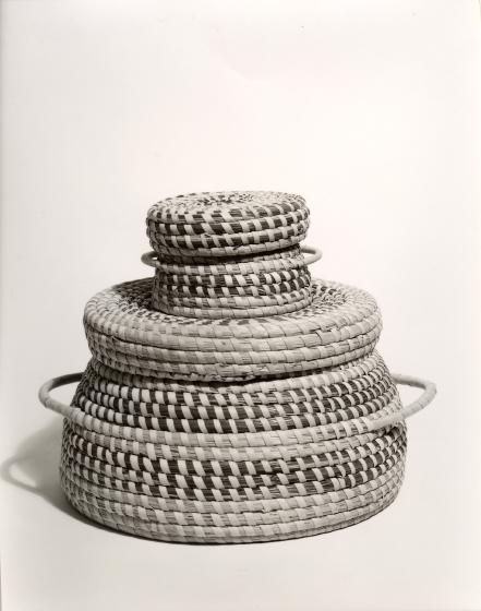 Mary Jane Manigault's double basket, photograph by Will Barnes, ca. 1985, courtesy Folklife Resource Center, McKissick Museum, University of South Carolina, Columbia, South Carolina