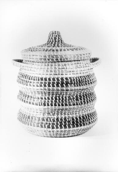Mary Jane Manigault's double basket, photograph by Dale Rosengarten, courtesy Folklife Resource Center, McKissick Museum, University of South Carolina, Columbia, South Carolina