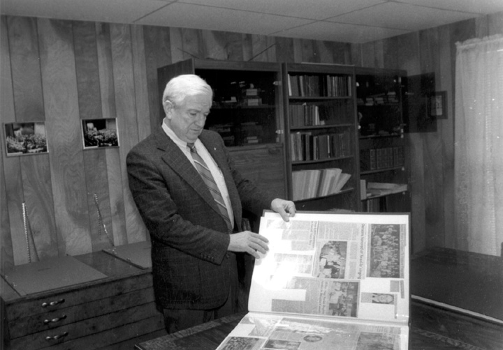 Hugh McGraw at Sacred Harp Publishing Company, Bremen, Georgia, 1989, Photograph by Annie Archbold, courtesy Georgia State Council on the Arts