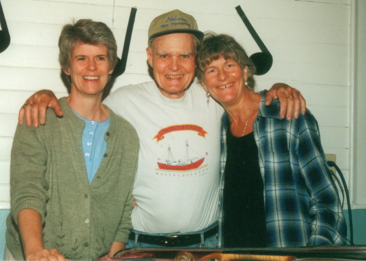 Bob McQuillen and friends, Nelson Town Hall, Nelson, New Hampshire, July 2001, photograph by Marilyn Weir, courtesy Bob McQuillen