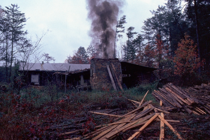 Meaders Pottery, Mossy Creek, Georgia, 1982, photograph by T. Jackson, courtesy Ralph Rinzler Folklife Archives and Collections, Center for Folklife and Cultural Heritage, Smithsonian Institution