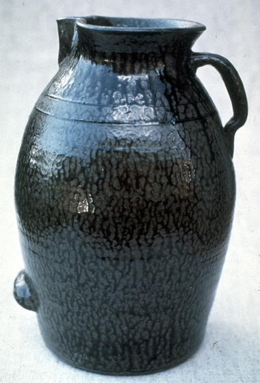 Akaline-glazed stoneware by Lanier Meaders, 1982, photograph by T. Jackson, courtesy Ralph Rinzler Folklife Archives and Collections, Center for Folklife and Cultural Heritage, Smithsonian Institution