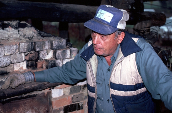 Lanier Meaders at work, Meaders Pottery, Mossy Creek, Georgia, 1982, photograph by T. Jackson, courtesy Ralph Rinzler Folklife Archives and Collections, Center for Folklife and Cultural Heritage, Smithsonian Institution