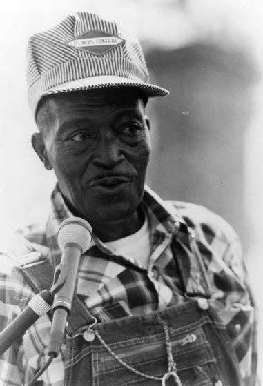 Cornelius Wright, Jr., Alabama Folklife Festival, 1992, photograph by Joyce Cauthen, courtesy Alabama Council on the Arts