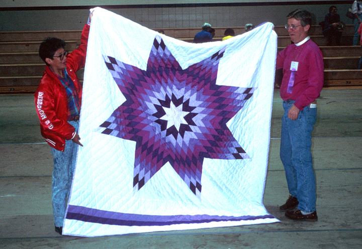 Star quilt by Nellie Star Boy Menard, Rosebud, South Dakota, June 1993. Photograph by Marsha MacDowell, curtesy Michigan Traditional Arts Program, Michigan State University Museum