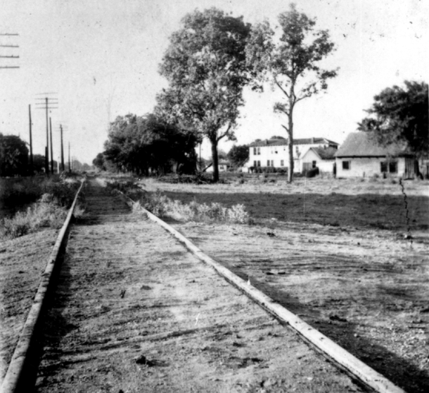 Looking north on Central Track, Dallas, Texas, 1947, photograph by Alexander H. Moore, courtesy Documentary Arts