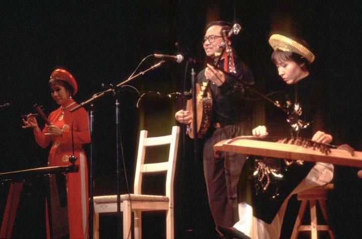The Phong Nguyen Ensemble: Kim Oanh (*sien tien* clapper), Phong Nguyen (*dan nguyet* lute) and Tuyen Tonnu (*dan tranh* zither), 1997 National Fellowship Ceremonies, courtesy National Endowment for the Arts