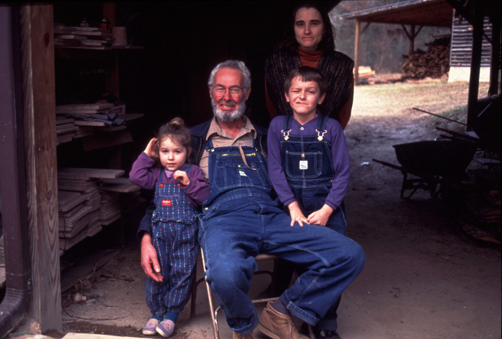 Vernon and Pam Owens with their children, 