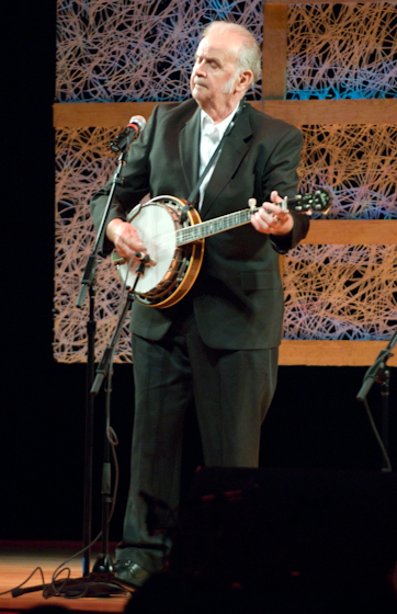 James C. Queen Jr, 2007 National Heritage Fellowship Concert, Bethesda, Maryland, courtesy National Endowment for the Arts, photograph by Alan Hatchett