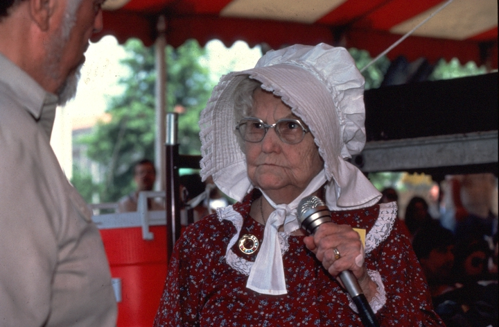 Almeda Riddle at the 1983 Festival of American Folklife in a program honoring the National Heritage Fellows, courtesy National Endowment for the Arts