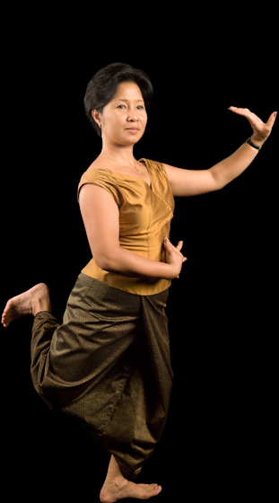 Sophiline Cheam Shapiro is an exceptional dancer, vocalist and teacher and an award-winning choreographer of Cambodian dance who tours internationally. Bethesda, Maryland, 2009, photograph by Alan Govenar
