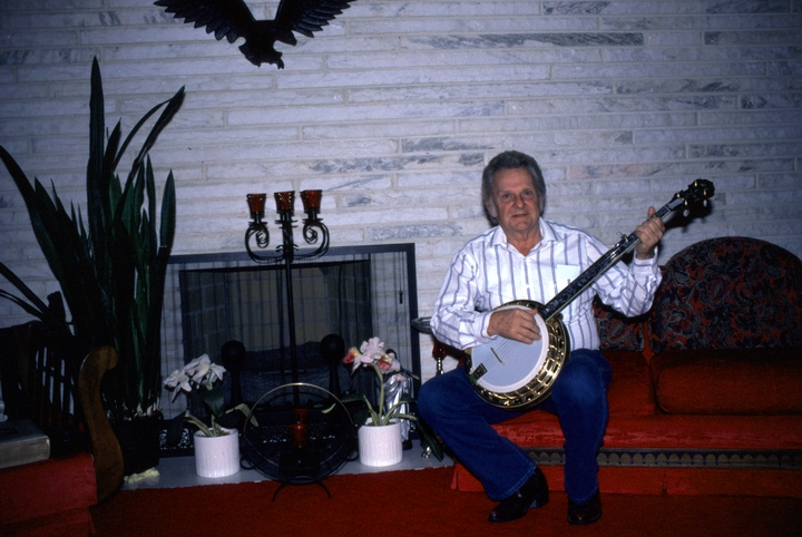 Ralph Stanley in his living room, Coeburn, Virginia, 1991, photograph by Alan Govenar