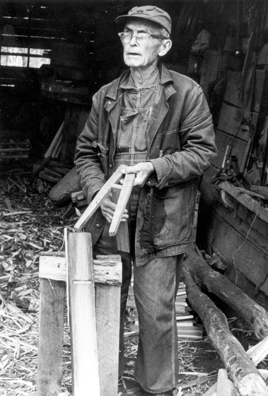 Alex Stewart at work in his shop, Sneedville, Tennessee, 1982, photograph by Robert E. Kollar, Tennessee Valley Authority