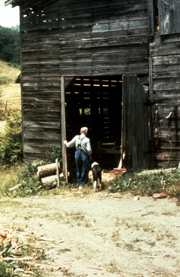 Alex Stewart, Sneedville, Tennessee, ca. 1975-79, photograph by Roy Overcast, courtesy Tennessee Arts Commission
