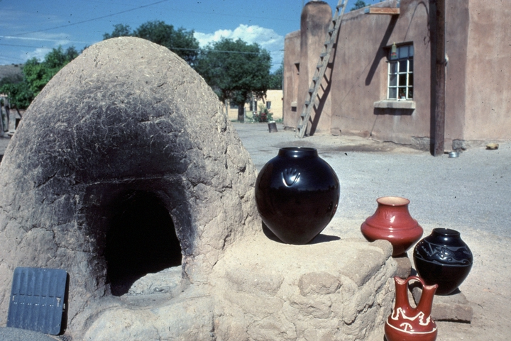 Earthenware by Margaret Tafoya, Santa Clara Pueblo, New Mexico, photograph by Tom McCarthy, courtesy National Endowment for the Arts