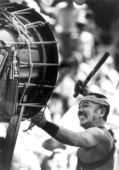 "Taikodrummer Seiichi Tanaka, born in Japan, has trained hundreds of students in the United States. The art form combines dance, music, martial arts and philosophy to develop what he calls ""the inner muscle."" Courtesy San Francisco Taiko Dojo and National Endowment for the Arts"