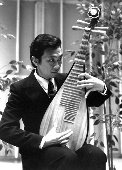 Liang-xing Tang's primary instrument is the *pipa*, a lute popular in China since the sixteenth century. This versatile instrument has become an integral component of Chinese opera, folk songs, and contemporary symphonic music. 1988, photograph by Jack Vartoogian
