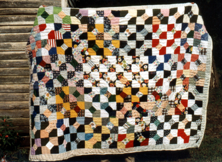 Quilt by Lucinda Toomer, photograph by Maude Wahlman, courtesy National Endowment for the Arts